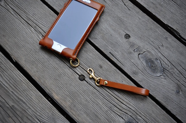 iPhone leather case custom_b0172633_21115950.jpg