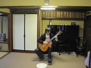 ギターの奏でる2つの世界Ⅱ_f0233340_16123965.jpg