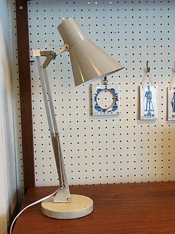 desk lamp_c0139773_15382819.jpg