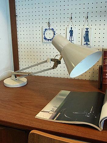 desk lamp_c0139773_15383913.jpg
