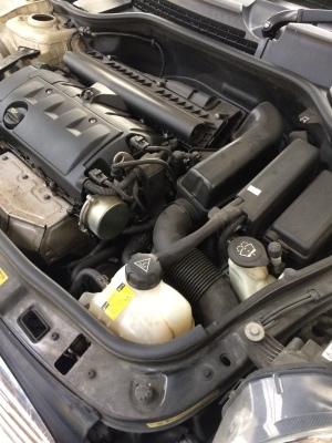 BMWミニ オイル漏れ、水漏れ修理_c0267693_20134403.jpg