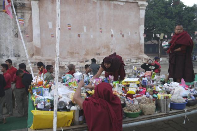 アーナンダ寺院の祭り2_c0098222_08403266.jpg