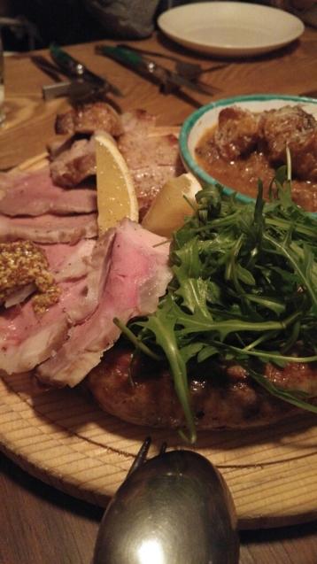 奄美の島豚「あかりんとん」_c0124528_09273185.jpg