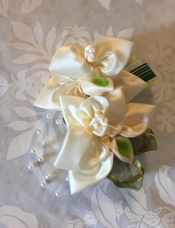 Orchid Corsage 蘭のコサージュ_c0196240_08154530.jpg
