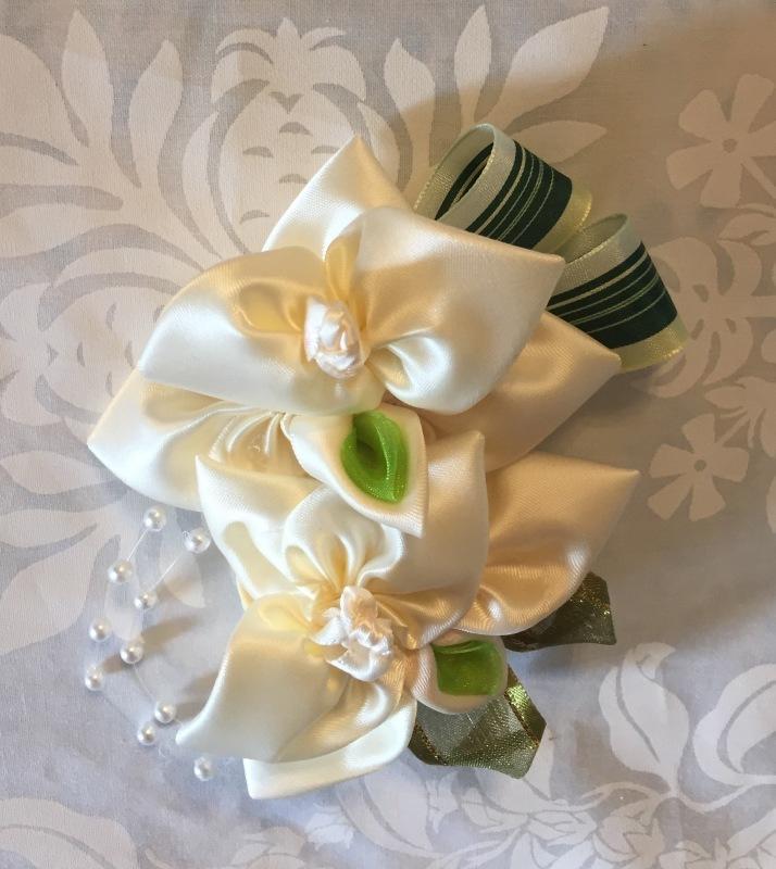 Orchid Corsage 蘭のコサージュ_c0196240_08164739.jpg