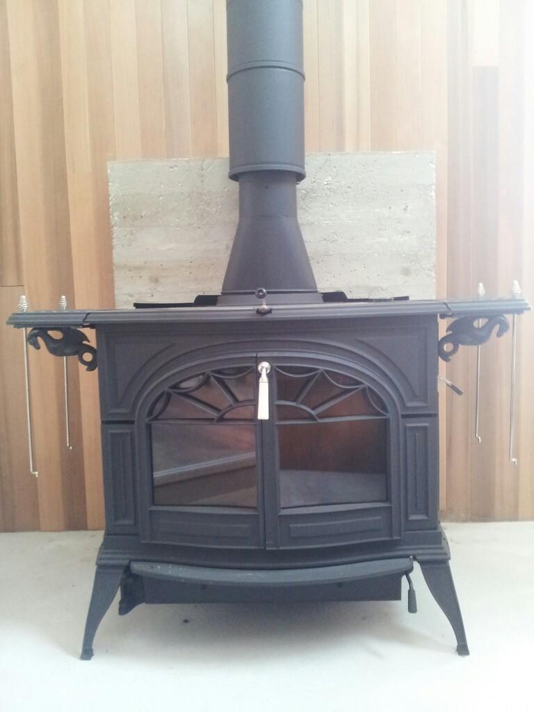 事務所の暖炉_d0354922_12054884.jpg