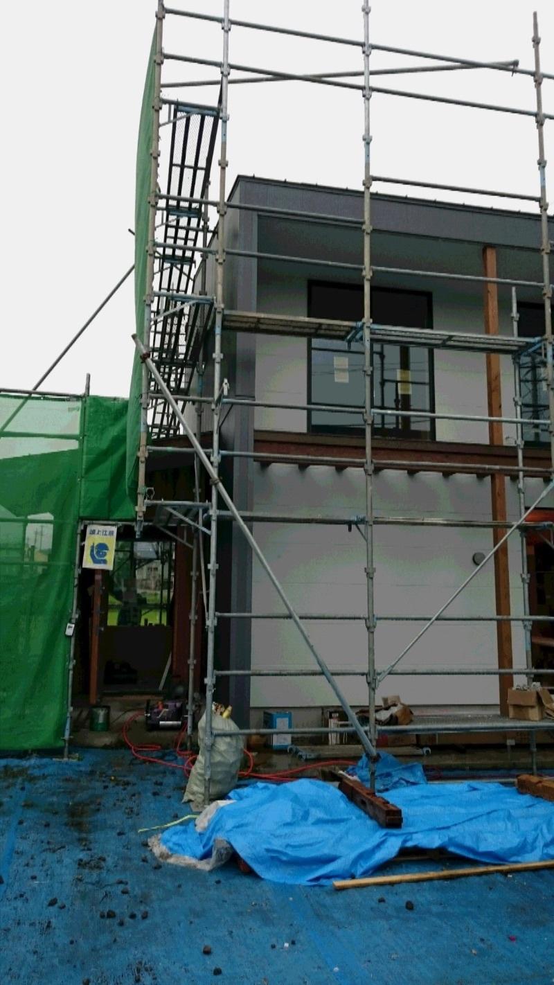 【沼田空デッキの家】南面の外壁貼れました_d0354922_12095613.jpg