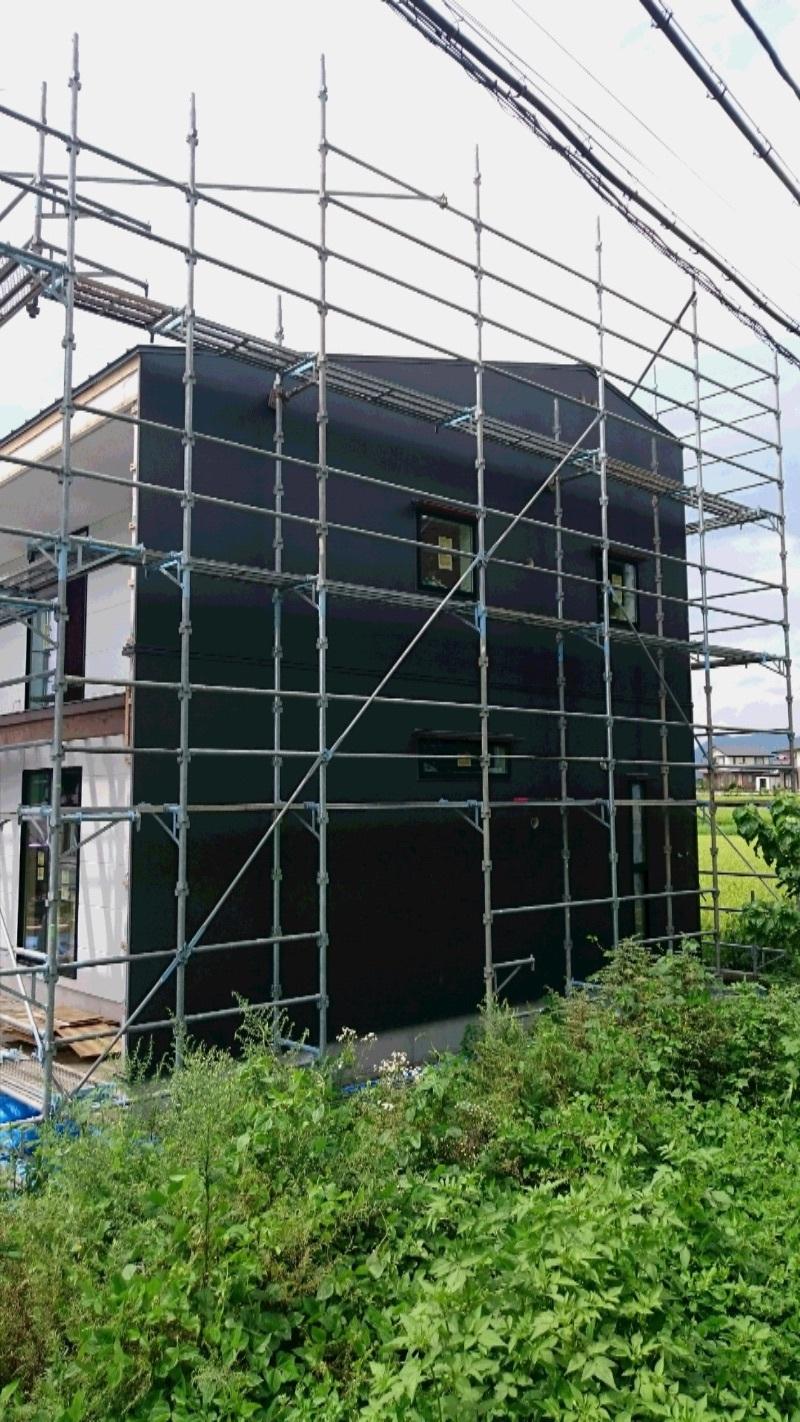 【沼田空デッキの家】南面の外壁貼れました_d0354922_12095963.jpg