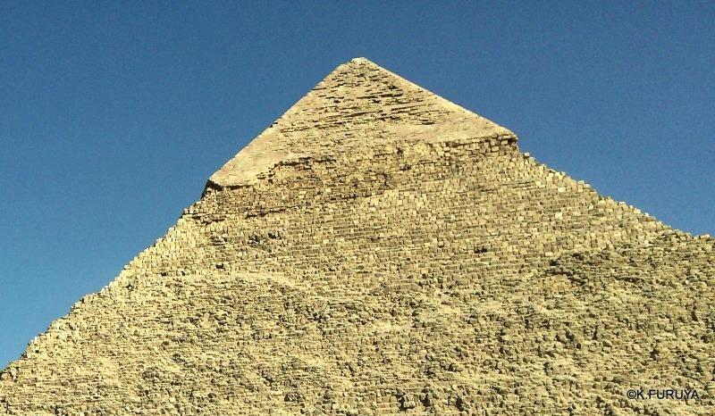 ギザ三大ピラミッド_a0092659_21035447.jpg