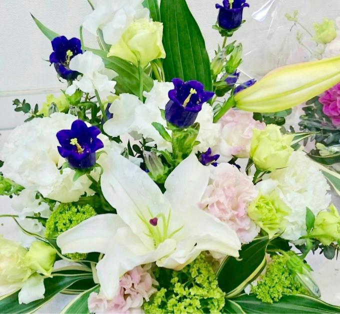 お供えのお花  カンパニュラを添えて_f0213974_18413657.jpg