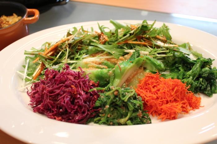 春野菜のビビンバ、肉味噌と卵味噌がミソ_a0223786_15371177.jpg