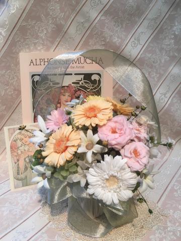 高島屋さんローズサークルレッスン 「ミュシャの花籠のアレンジ」のご案内_c0195496_12434997.jpg