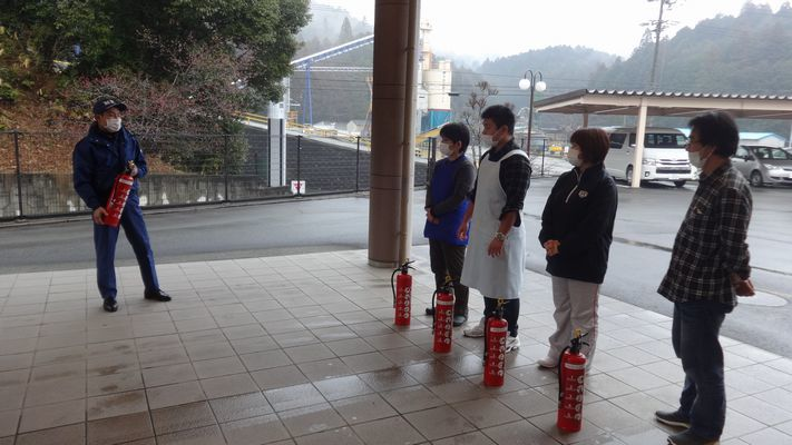 3/2 消防訓練_a0154110_15152092.jpg