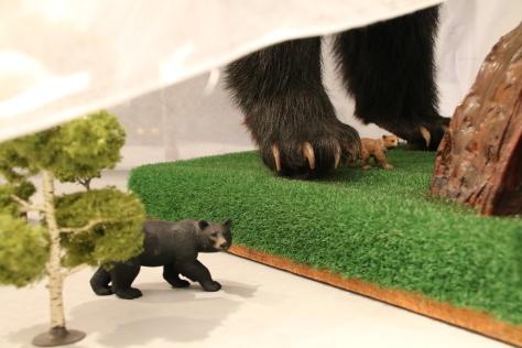 まちなか美術館へようこそ 「東の熊、青い森の幽霊」_f0237658_17134757.jpg