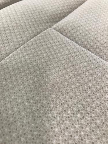 トヨタ アイシス タバコ焦げ穴リペア_d0351087_12083441.jpg
