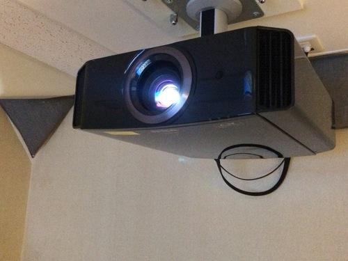 新製品JVC DLA-X770R入荷☆_c0113001_1334262.jpg