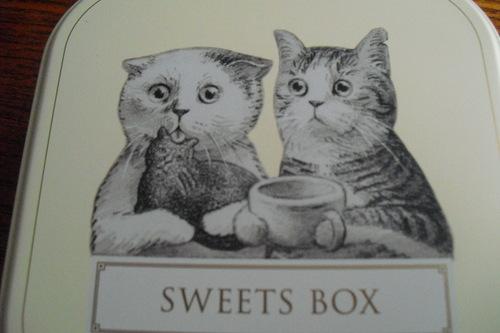 アフタヌーンティールーム 『ネコのパティシエ スイーツボックス』_a0326295_18112576.jpg