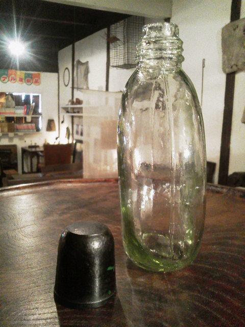 ガラスの水筒_e0350308_19591147.jpg
