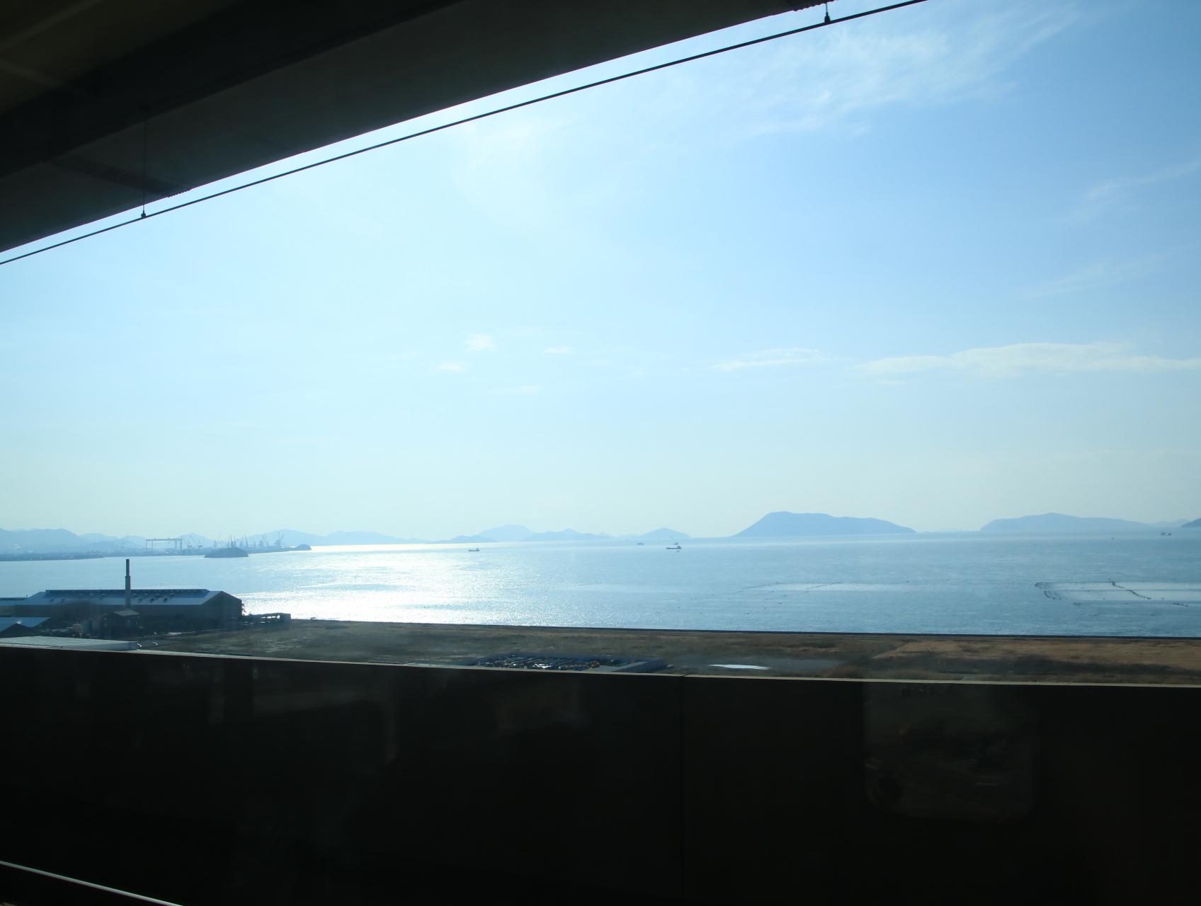 JR岡山駅から高松駅まで・・_d0202264_13252360.jpg