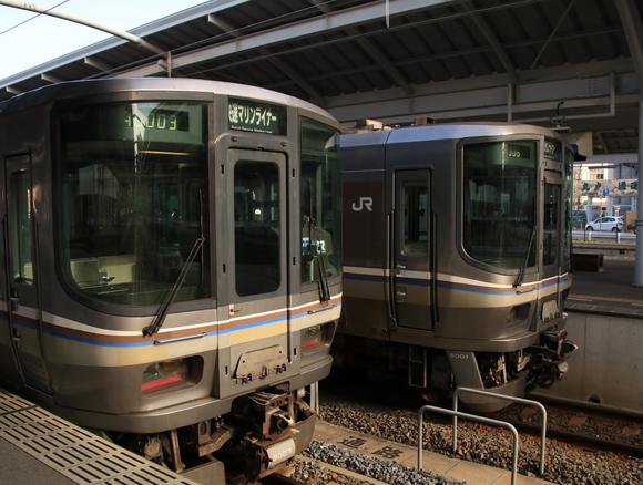 JR岡山駅から高松駅まで・・_d0202264_13263115.jpg