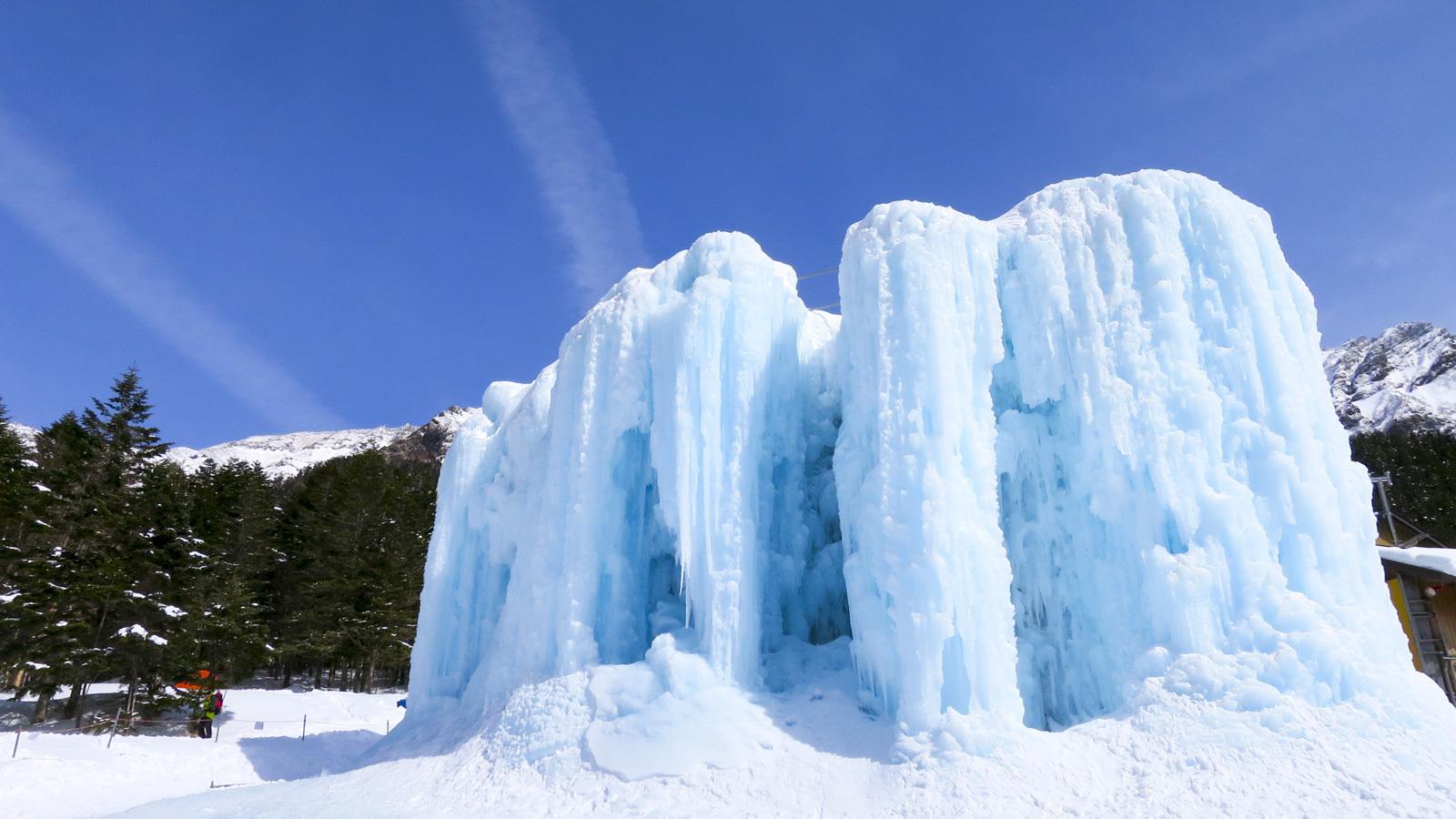 あなたにも必ずできる、『氷の壁をぶっ叩いて登る遊び』の話_b0029315_23452224.jpg