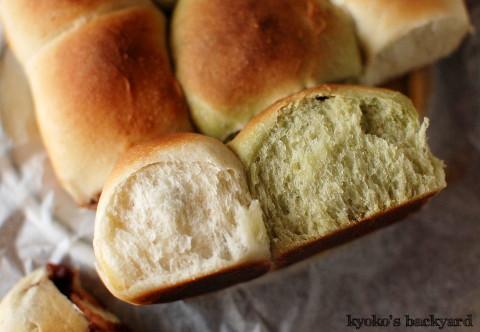 ちぎり餡パンとぶどうパン_b0253205_03161656.jpg
