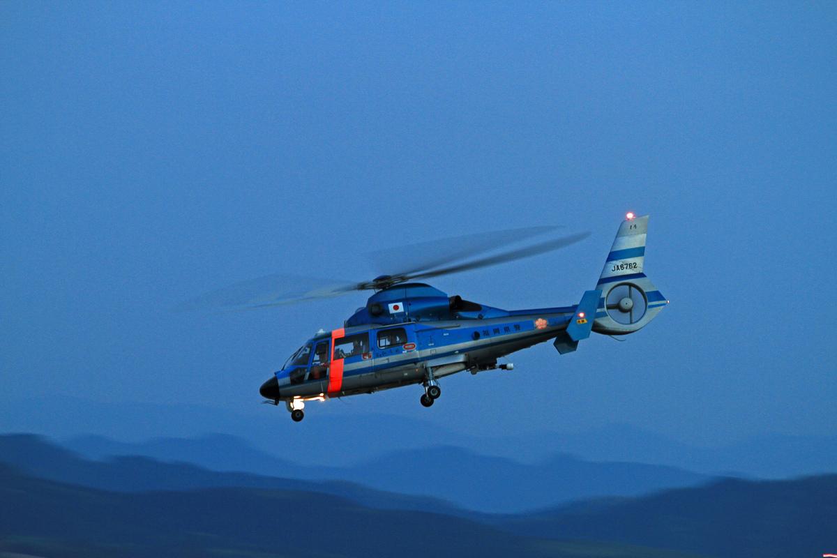 福岡県警ヘリコプター。_b0044115_8165862.jpg
