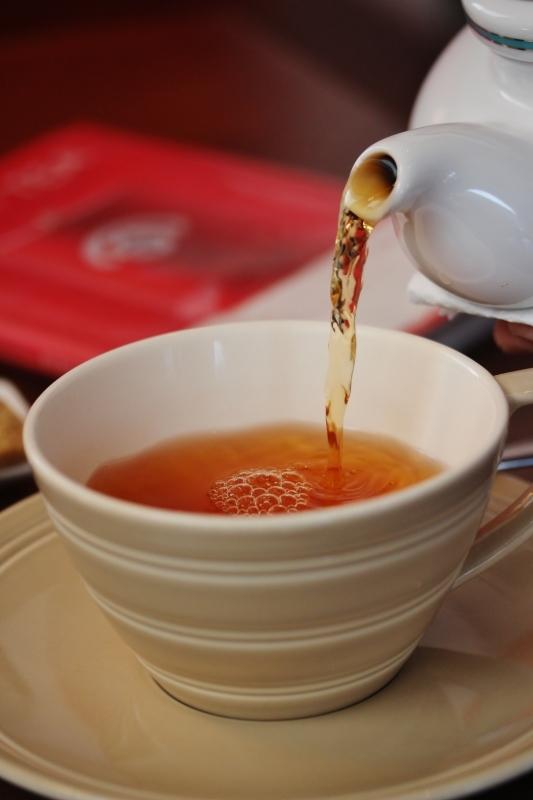 お茶の世界に引き込まれる_b0220318_13590743.jpg