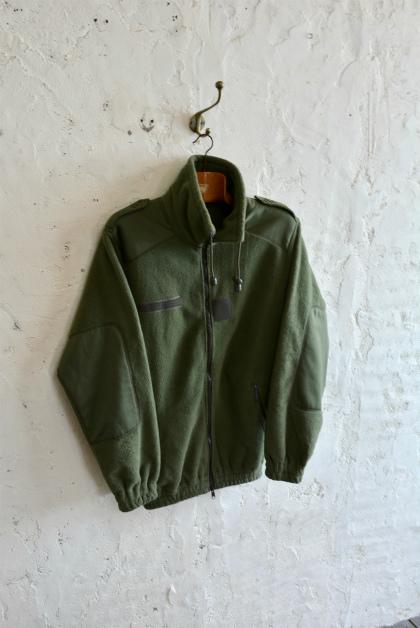 French army Fleece jacketとスタッフ募集のお知らせ_f0226051_17154645.jpg