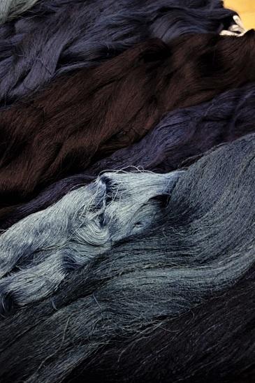 藍染めの絹糸。_f0177373_19510696.jpg