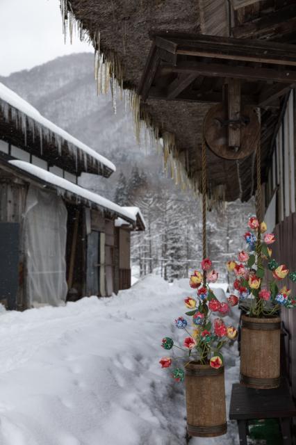 雪の大内宿の茶色のつらら_a0158797_22502125.jpg