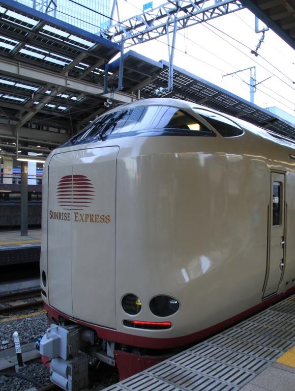 サンライズ瀬戸・出雲 東京駅 到着_d0202264_163011100.jpg