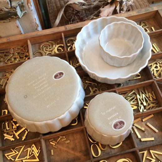 グラタン皿とココットと・・・いろいろコーディネート。_a0164280_10382431.jpg