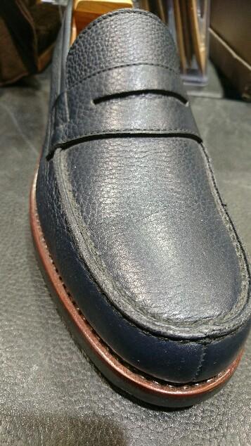 シボ革の靴には_b0226322_10565449.jpg