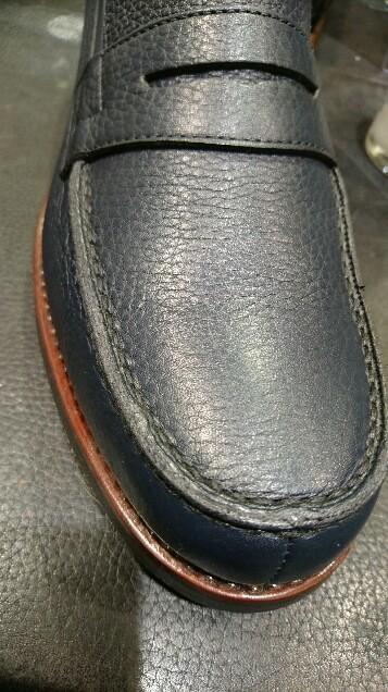 シボ革の靴には_b0226322_10565859.jpg