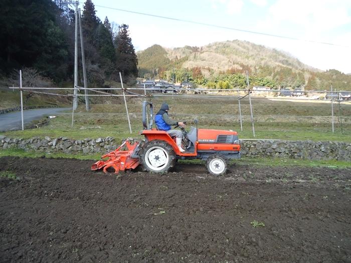 農作業はじめ・・_a0199979_15511308.jpg