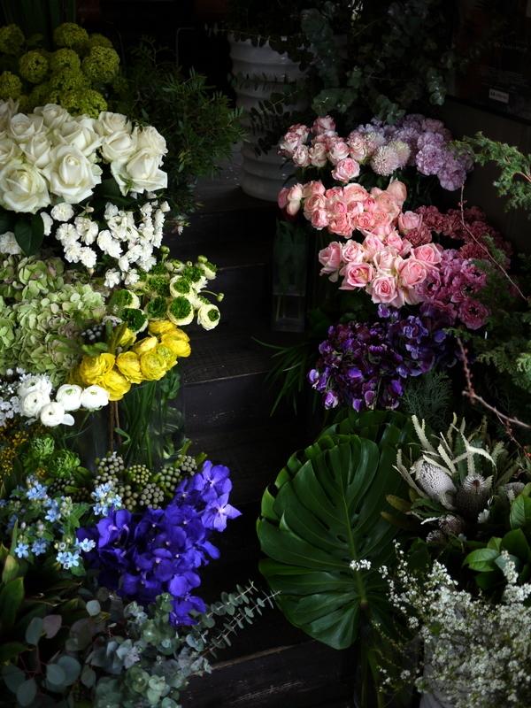 2017/03/08と3/10の店内の様子とお花。_b0171193_15363835.jpg