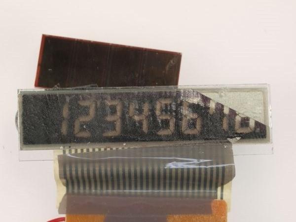 電卓の液晶ディスプレイから偏光板を外してみる_c0164709_20594524.jpg