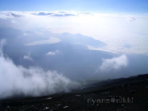 富士山とお手伝いにゃん友さん_d0355333_15032120.jpg