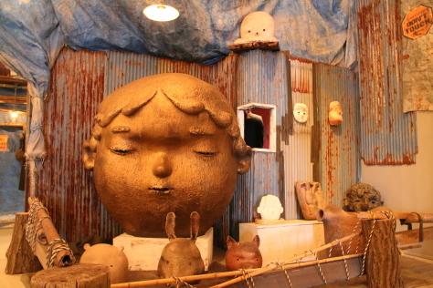 現代美術館企画展「村上隆のスーパーフラット現代陶芸考」始まる_f0237658_11054084.jpg