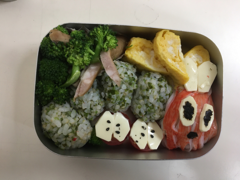 幼稚園最後のお弁当の日_f0324461_12522439.jpg
