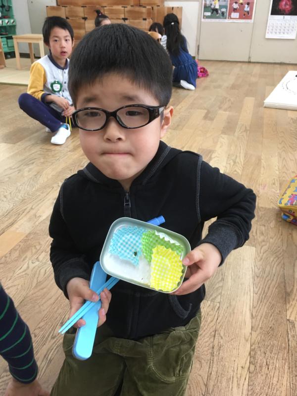 幼稚園最後のお弁当の日_f0324461_12560008.jpg