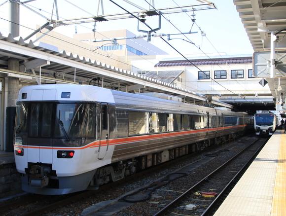 JR長野駅で撮り鉄_d0202264_2233764.jpg