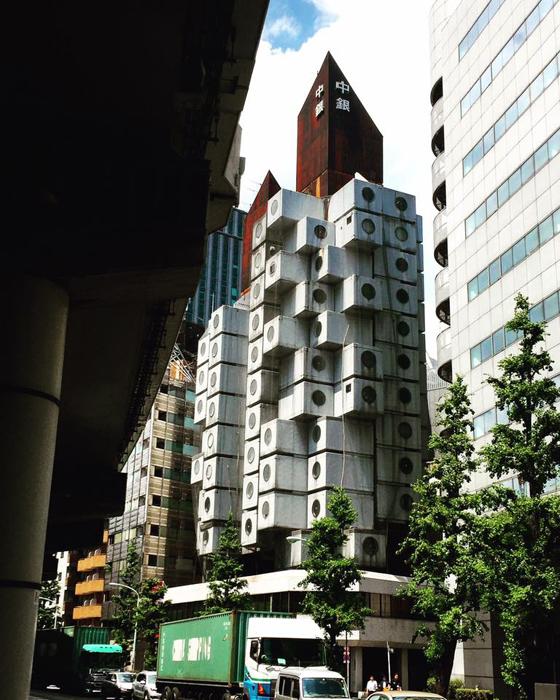 中銀カプセルタワー / iPhone 6_c0334533_13280158.jpg