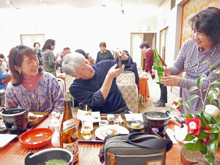 宴会は鯉屋旅館で:野口初太郎翁頌徳碑建立地で花見②_c0014967_4391829.jpg