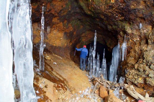 2017年3月14日(水) カルルス洞窟  氷筍_a0345007_1559565.jpg