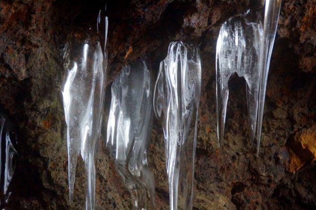 2017年3月14日(水) カルルス洞窟  氷筍_a0345007_1617267.jpg