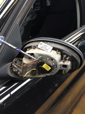 BMW 320i (E90)ドアミラー修理_c0267693_12344494.jpg