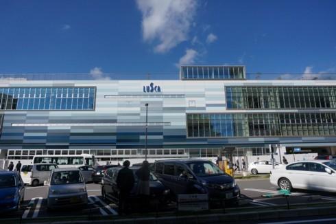 温泉町の新旧駅舎_f0055131_09382538.jpg