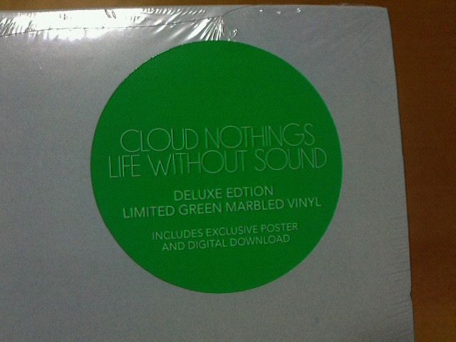 ちょっと前と本日到着レコ〜 Life Without Sound / Clound Nothing_c0104445_23431458.jpg
